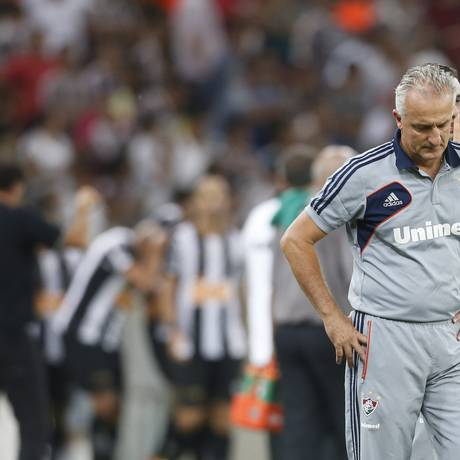 Dorival tem problemas para escalar a equipe na semana que vem, mas confia que o Fluminense vai escapar do rebaixamento Foto: Guito Moreto / O Globo