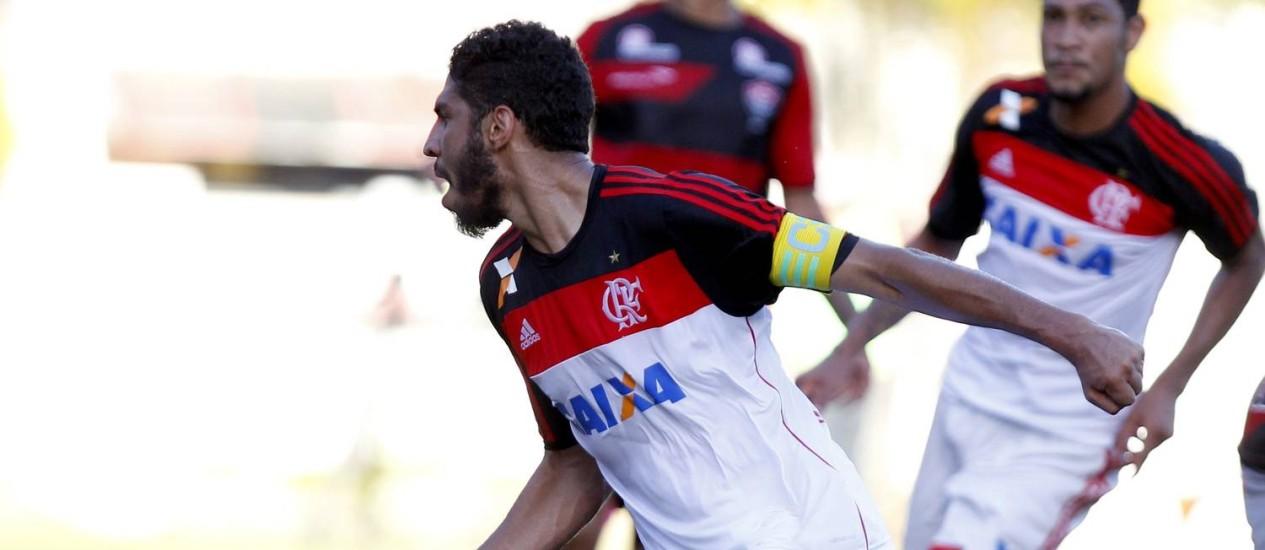 Wallace fez o primeiro gol do Flamengo na derrota por 4 a 2 para o Vitória no Barradão Foto: Felipe Oliveira / AGIF