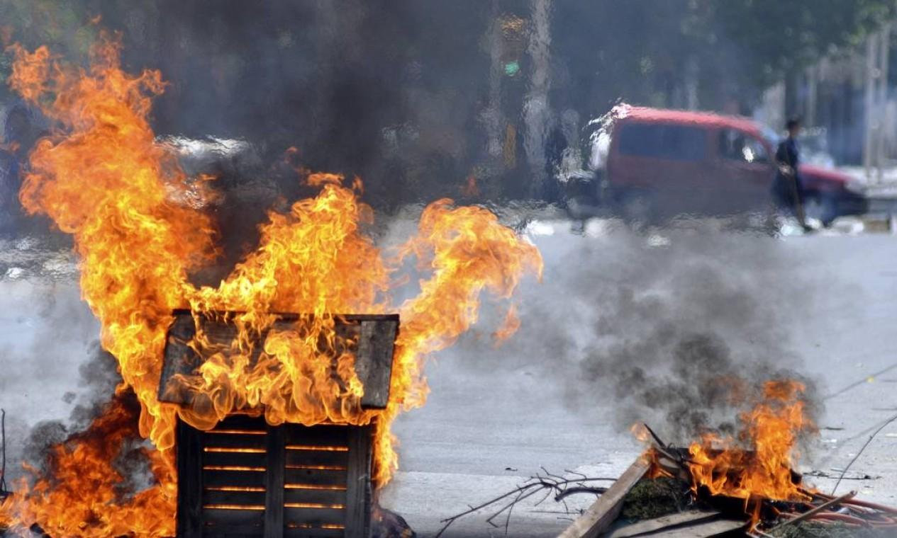Foram saqueados mais de 30 estabelecimentos comerciais, entre supermercados, lojas de eletrodomésticos e outras empresas Foto: STRINGER/ARGENTINA / REUTERS