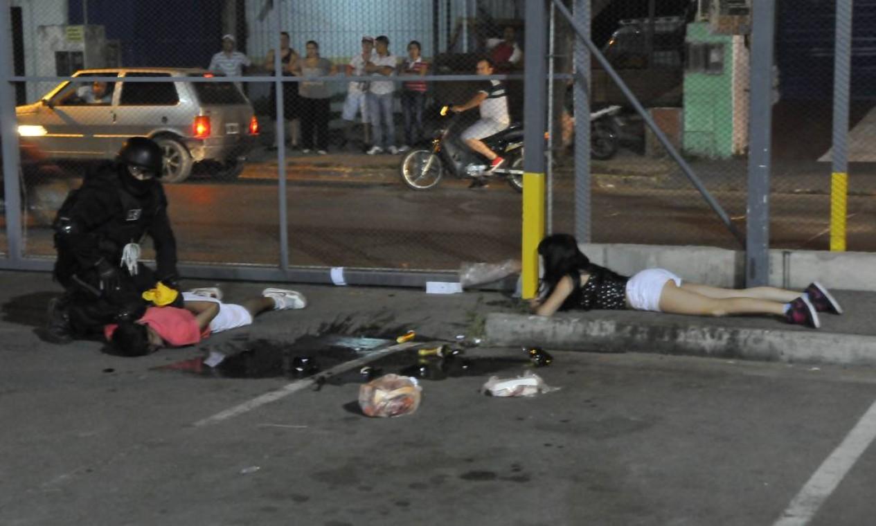Pelo menos 52 pessoas foram presas e mais de 60 estão feridas Foto: Martín Báez / AP