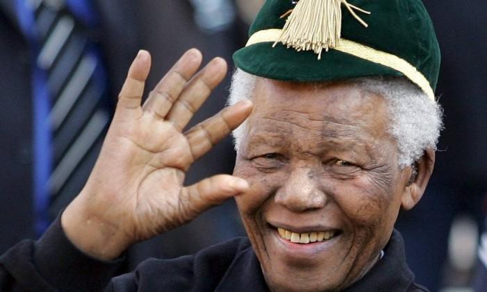 Mandela foi o político mais famoso da África do Sul Foto: JON HRUSA / AFP