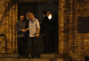 Papo de candidato: Aécio e Campos deixam o Gero, após o jantar Foto: Marcos Pinto