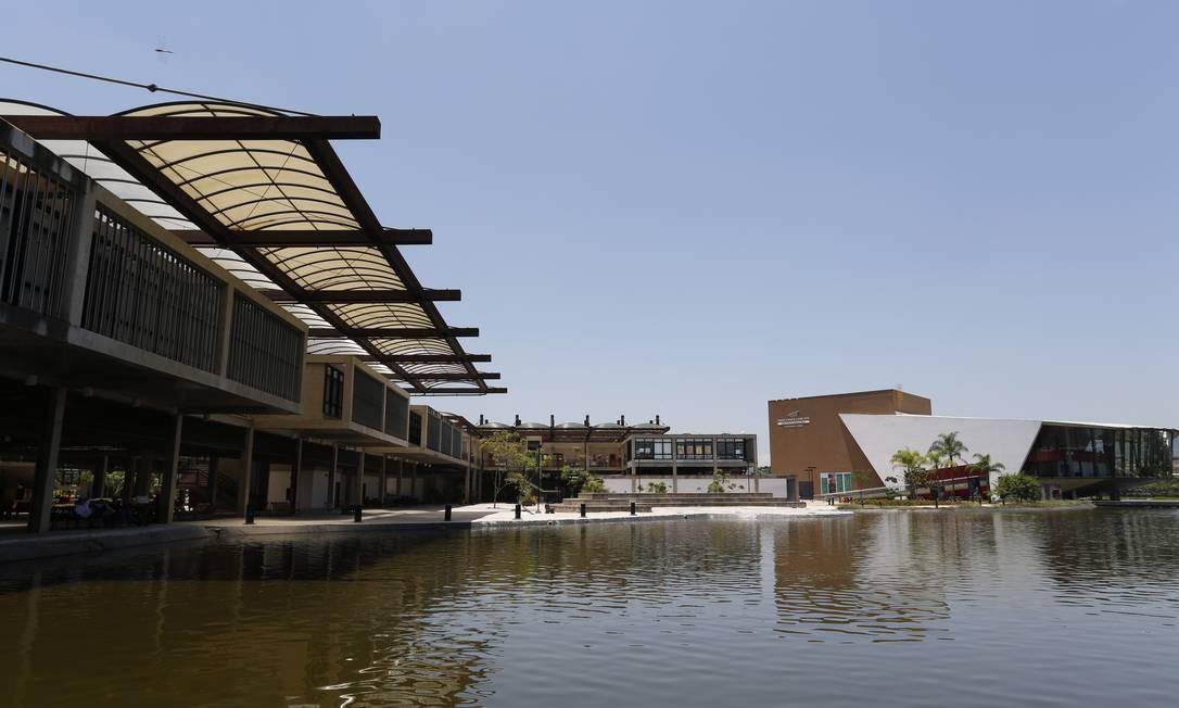 Campus localizado na Barra da Tijuca tem 131 mil metros quadrados Foto: Ana Branco / Agência O Globo