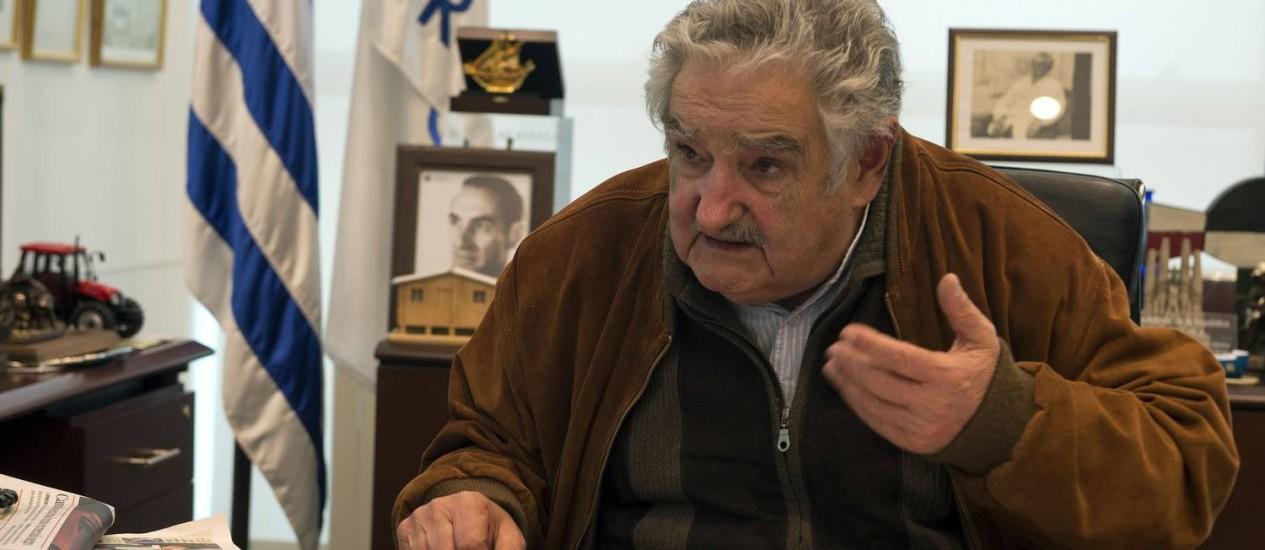 O presidente uruguaio, José Mujica, durante entrevista em agosto Foto: 6-8-2013 / AFP