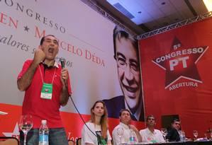 Mensaleiro João Paulo Cunha discursa em evento do PT Foto: Ailton de Freitas / O Globo