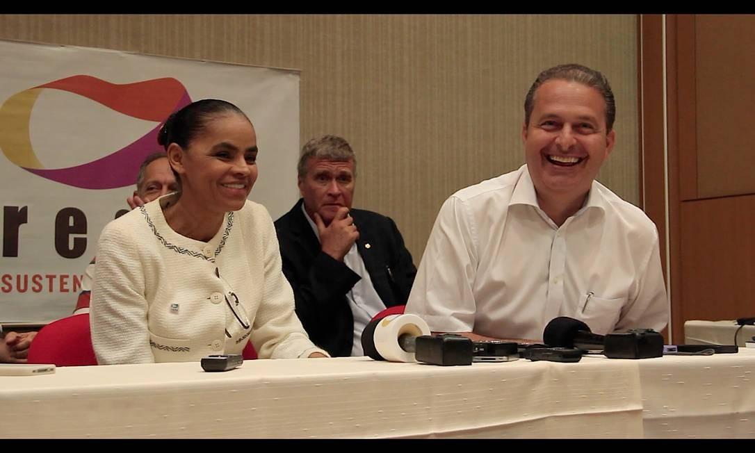 Marina Silva e Eduardo Campos durante entrevista coletiva neste domingo Foto: O Globo / Leo Cabral