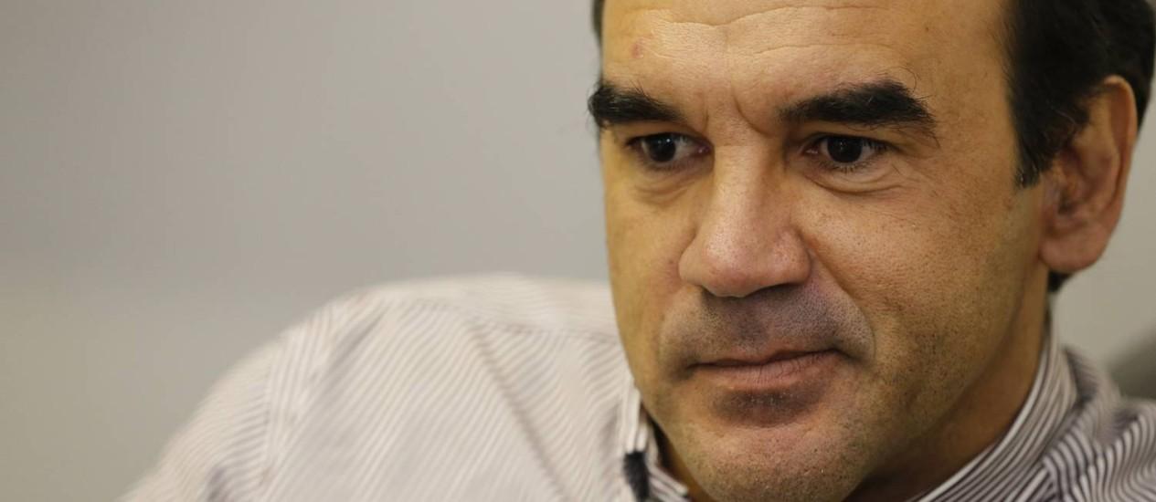 Reformulação. Ricardo Gomes inicia processo de contratações e dispensas no Vasco Foto: Ivo Gonzalez/04-12-2013