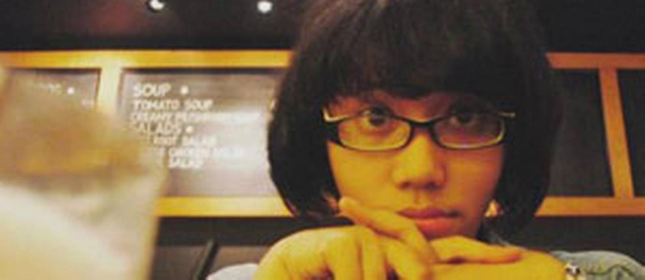 Redatora da agência Y&R na Indonésia, Mita Diran combinou excesso de trabalho com consumo de energético Foto: Reprodução/Facebook