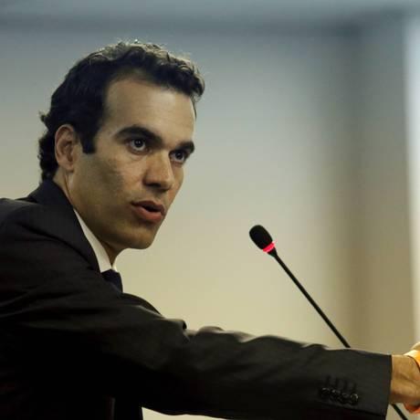 O advogado do Flamengo, Michel Assef Filho, durante o julgamento no STJD. O clube foi punido com a perda de quatro pontos pela escalação irregular de André Santos contra o Cruzeiro Foto: Cezar Loureiro / O Globo