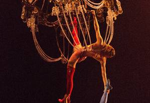 As namoradas do palhaço Mauro, protagonista do espetáculo do Cirque du Soleil, e suas estripulias aéreas Foto: Divulgação