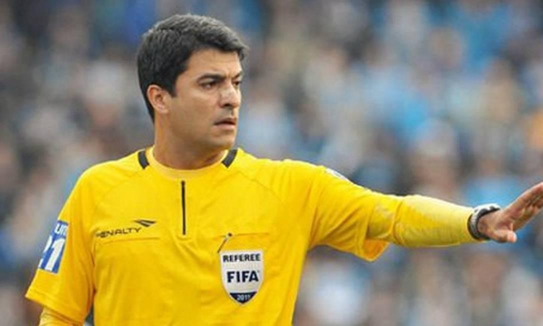 O árbitro brasileiro Sandro Meira Ricci vai apitar a decisão do Mundial de Clubes entre Bayern e Raja Casablanca Foto: Arquivo Agência O Globo