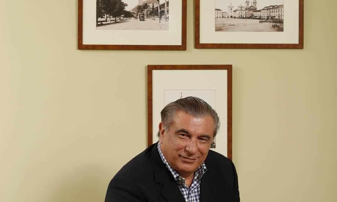 George Ermakoff já editou mais de 30 títulos de arte, História e fotografia Foto: Daniela Dacorso/Agência O Globo