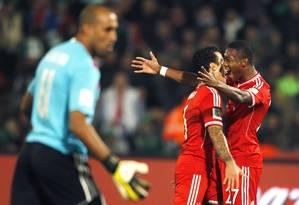 Festa de Thiago Alcântara (6) e Alaba, autor da jogada que resultou no gol do brasileiro, o segundo na vitória do Bayern por 2 a 0 sobre o Raja Casablanca na final do Mundial de Clubes, no Marrocos Foto: AMR ABDALLAH DALSH / REUTERS