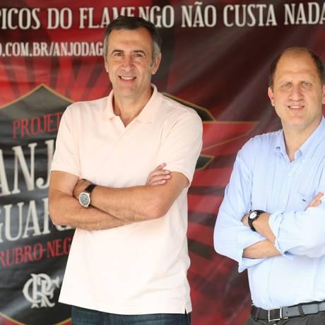 O diretor executivo de esportes olímpicos do Flamengo, Marcelo Vido (à esquerda), e o vice presidente, Alexandre Póvoa. Ivo Gonzalez / Agência O Globo