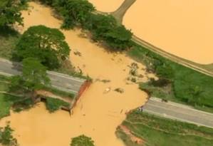 No Espírito Santo, rodovias foram interrompidas após temporais Foto: Reprodução / Globonews