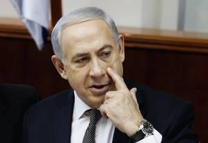 Netanyahu durante reunião com seu gabinete em Jerusalém Foto: POOL / REUTERS