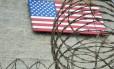Bandeira dos EUA na base de Guantánamo, em Cuba