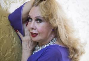 """""""Já saí com uma mulher em Genebra, porque o marido dela me pediu e quis me dar um apartamento"""", diz Rogéria Foto: Simone Marinho / Agência O Globo"""