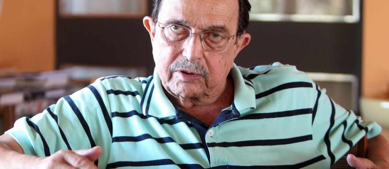 Araújo diz que parte das elites apoia o PT. Ele ataca a imprensa, ao dizer que suas críticas não afetam a popularidade do governo Foto: Nabor Goulart