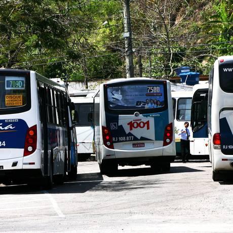 Ônibus intermunicipais terão reajuste na passagem no dia 13 / Foto: Ângelo Antônio Duarte em 05/10/2011 / O Globo