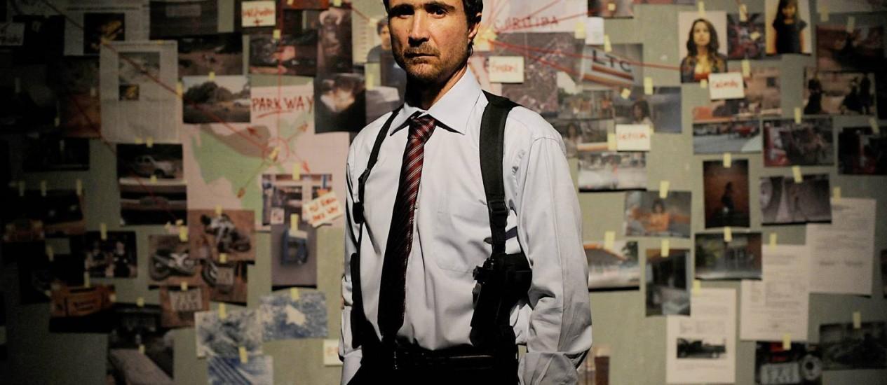 João Miguel interpreta um policial federal em busca de um bandido perigoso Foto: TV Globo / Estevam Avellar