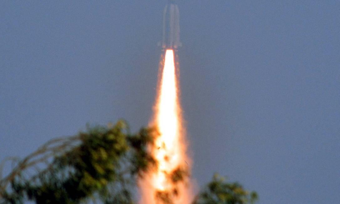 Índia lança foguete com propulsão criogênica