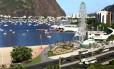 A ilustração mostra como ficará a roda gigante no cenário da Enseada de Botafogo