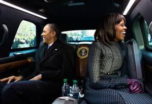 Michelle e Obama se divertem no carro presidencial Foto: Divulgação