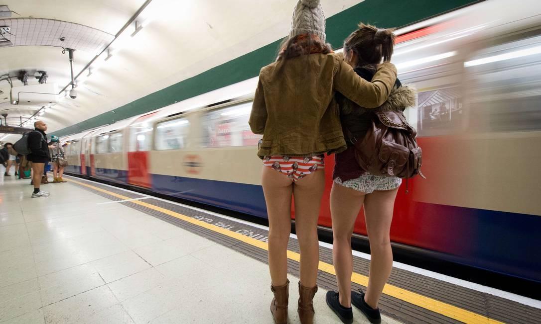 57b6aefc3 O Dia Internacional Sem Calças no Metrô ocorre sempre durante o inverno