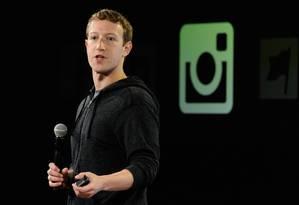 Líder. Após uma década, o Facebook de Zuckerberg domina os acessos às redes sociais, com 1,19 bilhão de pessoas Foto: David Paul Morris/Bloomberg
