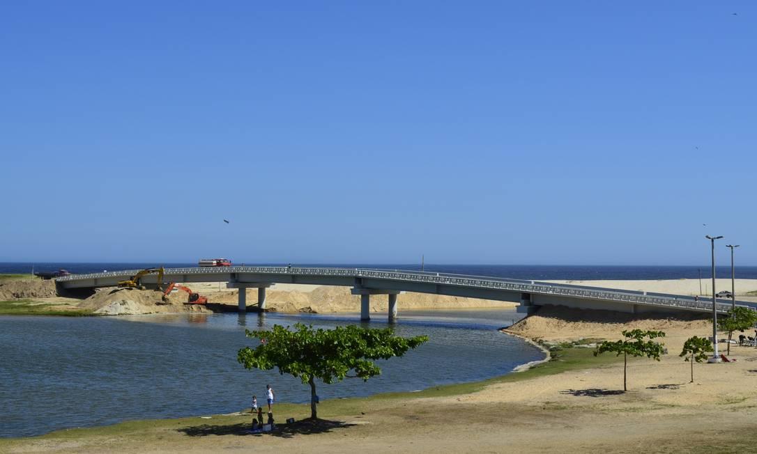 Ponte da Barra de Maricá, recém-construída e que será inaugurada hoje com show do sambista Dudu Nobre Foto: Terceiro / Fernando Silva/Prefeitura de Maricá