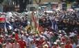 Multidão de fiéis lota as ruas da Tijuca durante procissão -