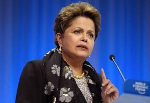 Presidente Dilma Rousseff discursa no Fórum Econômico Mundial Foto: ERIC PIERMONT / AFP