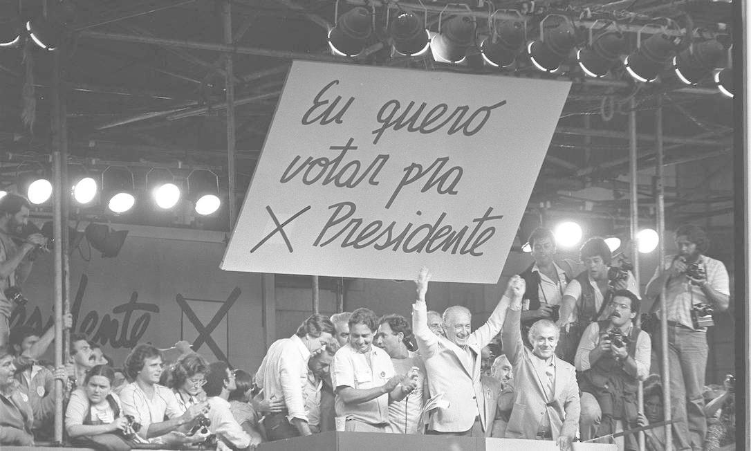 Comício pelas eleições diretas na Praça da Sé, em 25 de janeiro de 1984 Foto: Arquivo