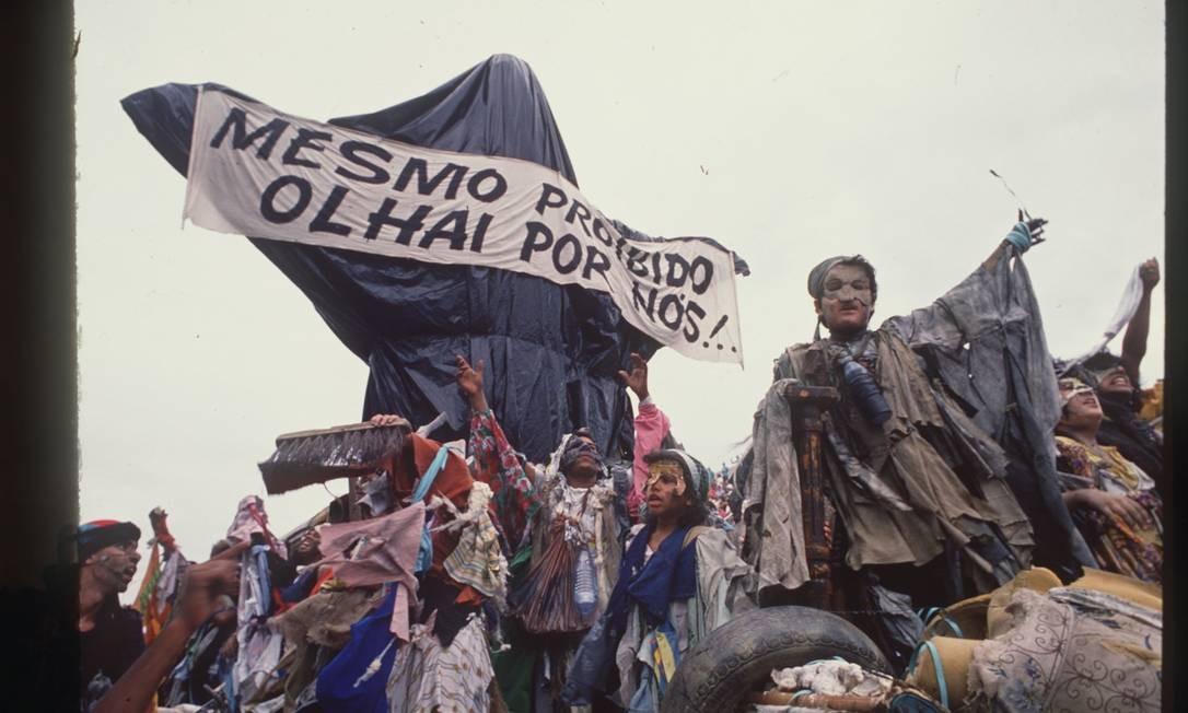 Desfile da Beija-Flor em 1989 arrebatou a Sapucaí Foto: Sebastião Marinho / Agência o Globo (07-02-1989)