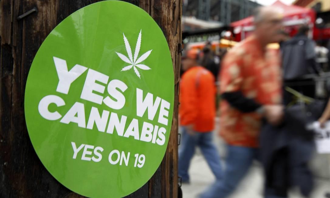 Adesivo faz trocadilho com slogan de Obama ao defender legalização da maconha na Califórnia: estado é um dos que devem votar tema até 2016 Foto: REUTERS/MIKE BLAKE