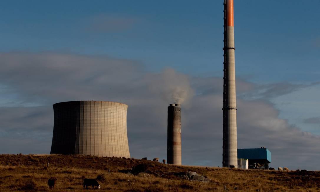 Térmica a carvão no RS contribui para o aumento das emissões de CO2 e outros gases do efeito esfuda no meio ambiente Foto: Michel Filho / Agência oO Globo