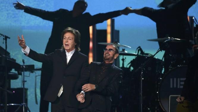Paul McCartney e Ringo Starr tocaram juntos o novo single de Paul, 'Queenie eye', do álbum 'New', em um momento histórico do Grammy 2014 Foto: MARIO ANZUONI / REUTERS