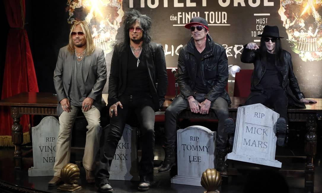 Vince Neil, Nikki Sixx, Tommy Lee e Mick Mars anunciam a turnê de despedida do Motley Crüe Foto: MARIO ANZUONI / REUTERS
