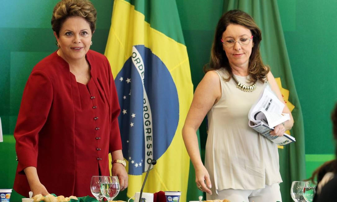 Presidente Dilma Rousseff ao lado de Helena Chagas Foto: Gustavo Miranda / O Globo