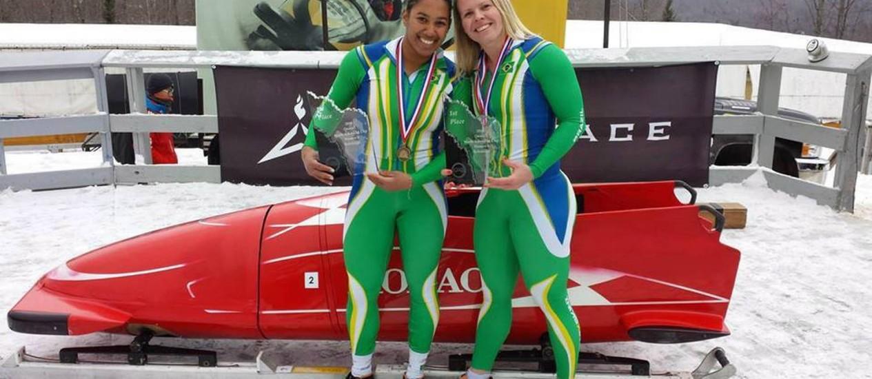 Pés quentes. As brasileiras Fabiana Santos e Sally Silva garantiram vaga no bobslead feminino Foto: Reprodução