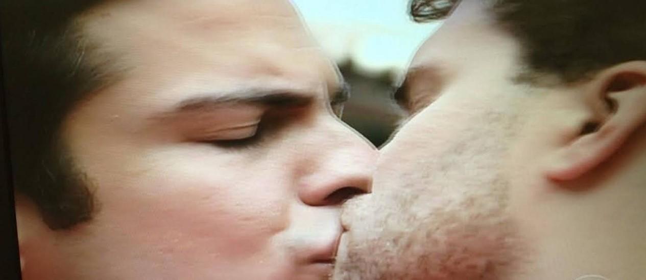 Félix e Niko se beijam Foto: Reprodução