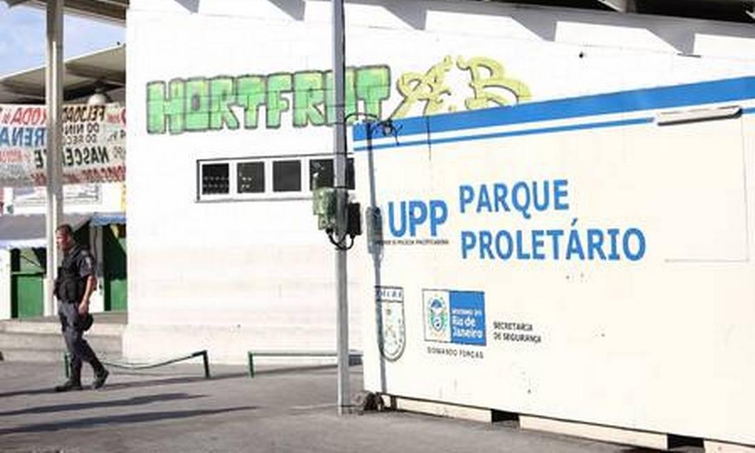 Ataque ocorreu na basse da UPP do Parque Proletário - Foto: Agência O Globo