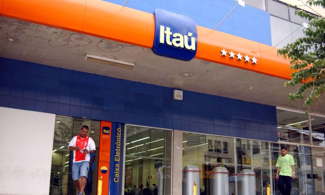 Filial do Itaú em São Paulo: banco teve lucro recorde no último trimestre de 2013 Foto: JEAN PIERRE PINGOUD / JPP/AJ