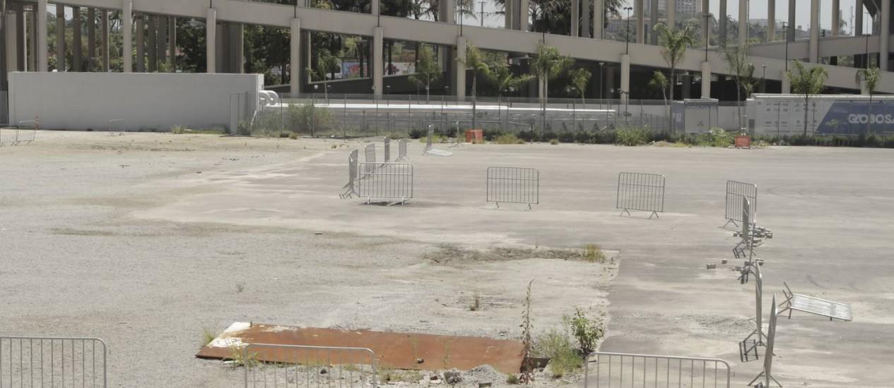 Aonde os atletas vão treinar? O estádio Célio de Barros está totalmente desfigurado Foto: Bia Guedes