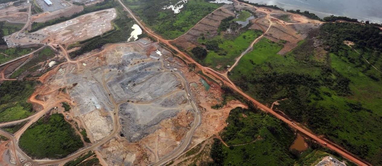 Vista aérea do canteiro de obras da usina, no Xingu Foto: EVARISTO SA / AFP