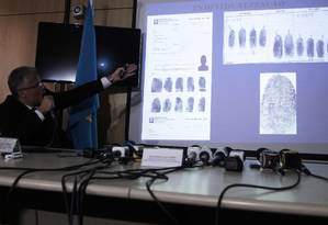 Polícia Federal de Brasília explica caso de Henrique Pizzolato à imprensa Foto: Jorge William/5-2-2013 / Agência O Globo