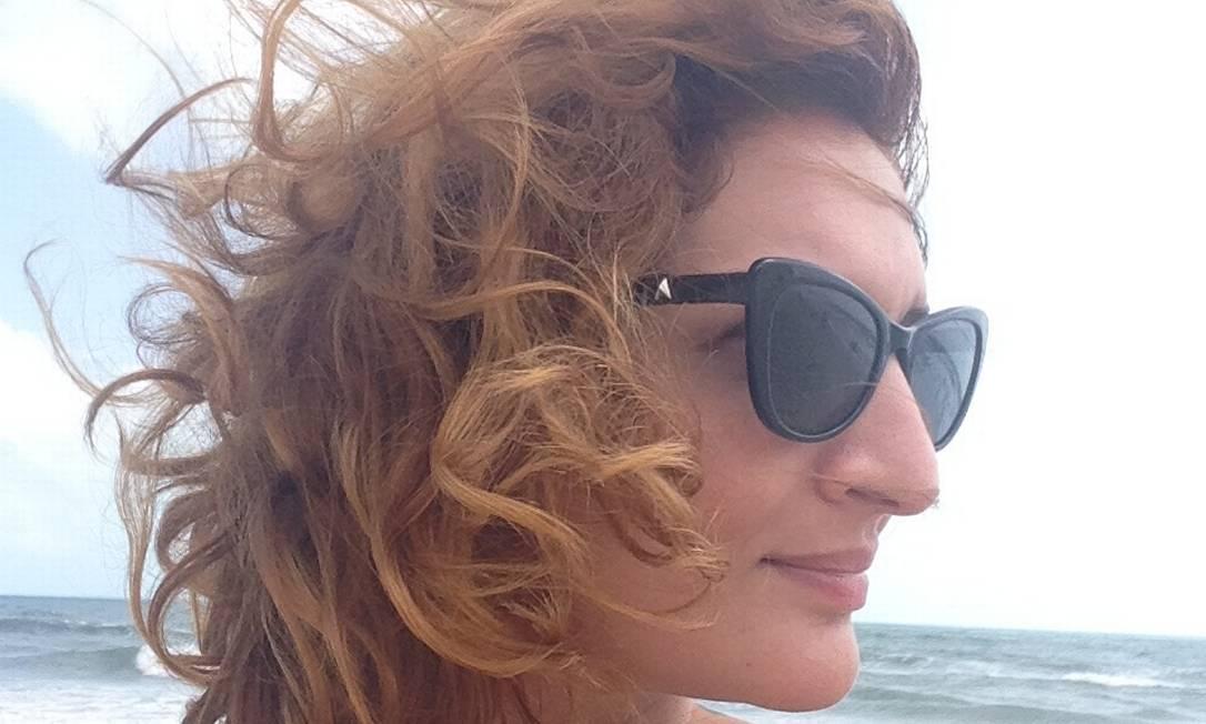 A gaúcha Clara Averbuck, autora do aclamado 'Máquina de pinball' Foto: Divulgação