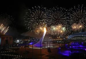 Show pirotécnico marca a abertura dos Jogos de Inverno de Sochi. Marko Djurica/Reuters