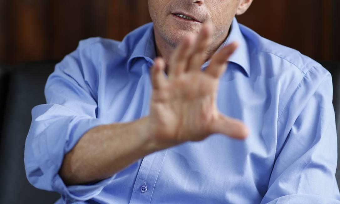 Secretário de Segurança propõe que a sociedade discuta a violência que vem ocorrendo durante os protestos Foto: Paula Giolito / Agência O Globo (06-12-2013)